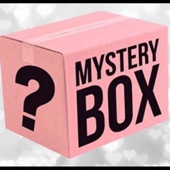 Mystery Beauty Box & Fashion Box